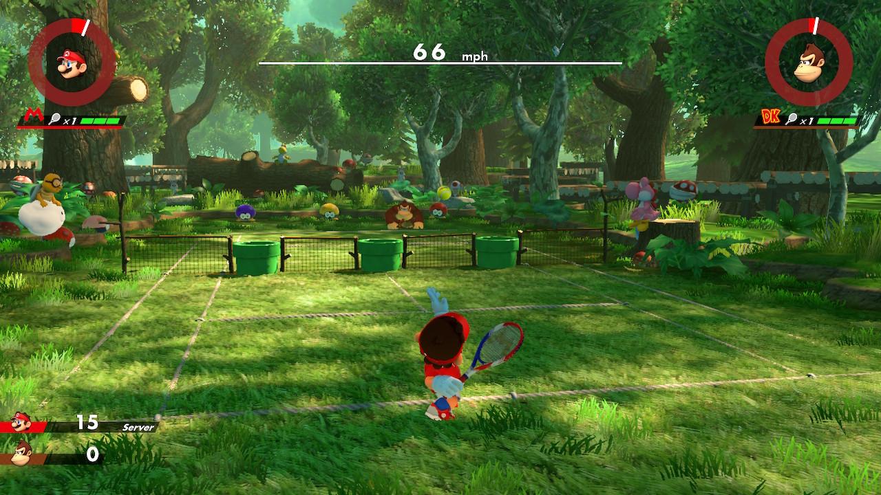Mario Tennis Aces nurmikentällä Donkey Kongia vastaan