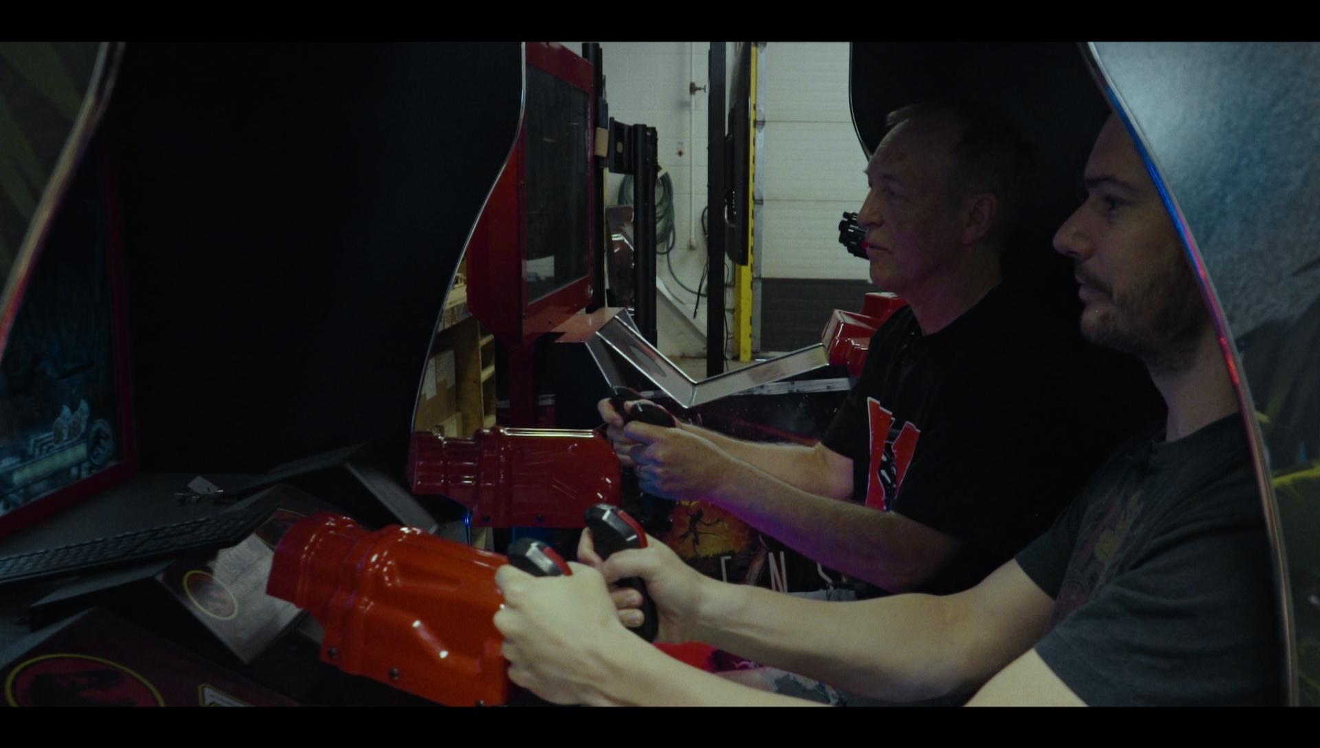 Harry ja Eugene pelaamassa arcadessa