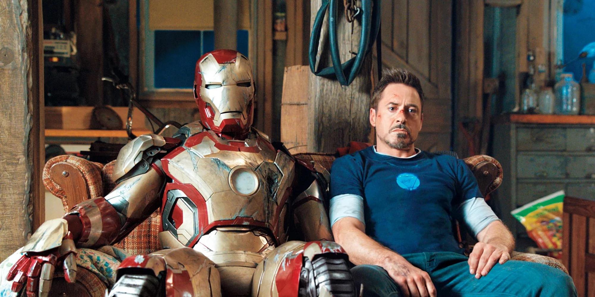 Iron Man 3 ja Tony Stark sohvalla