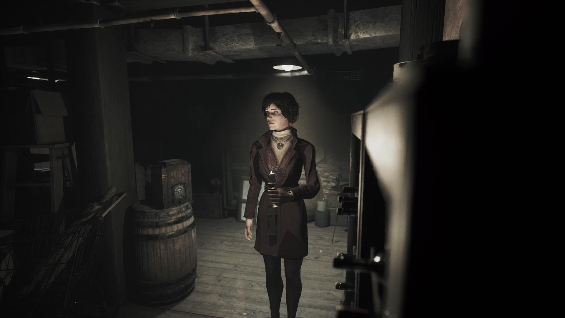 Song Of Horror pimeässä kellarissa kynttilän kanssa.jpg
