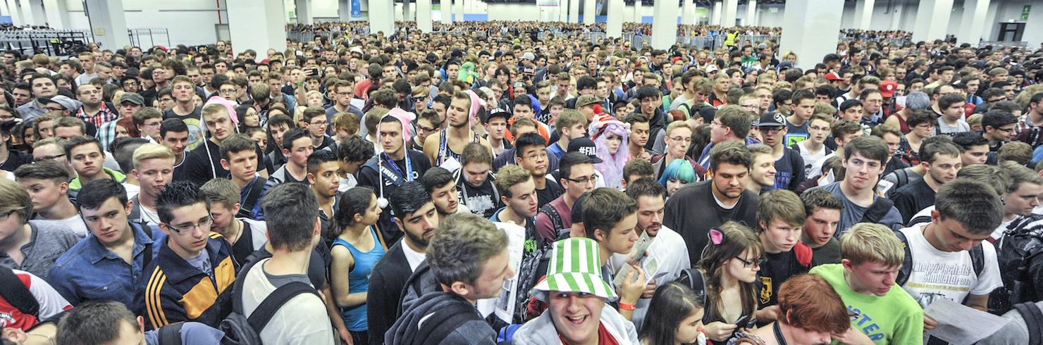 Ruuhkaa Gamescom 2014:n lattialla