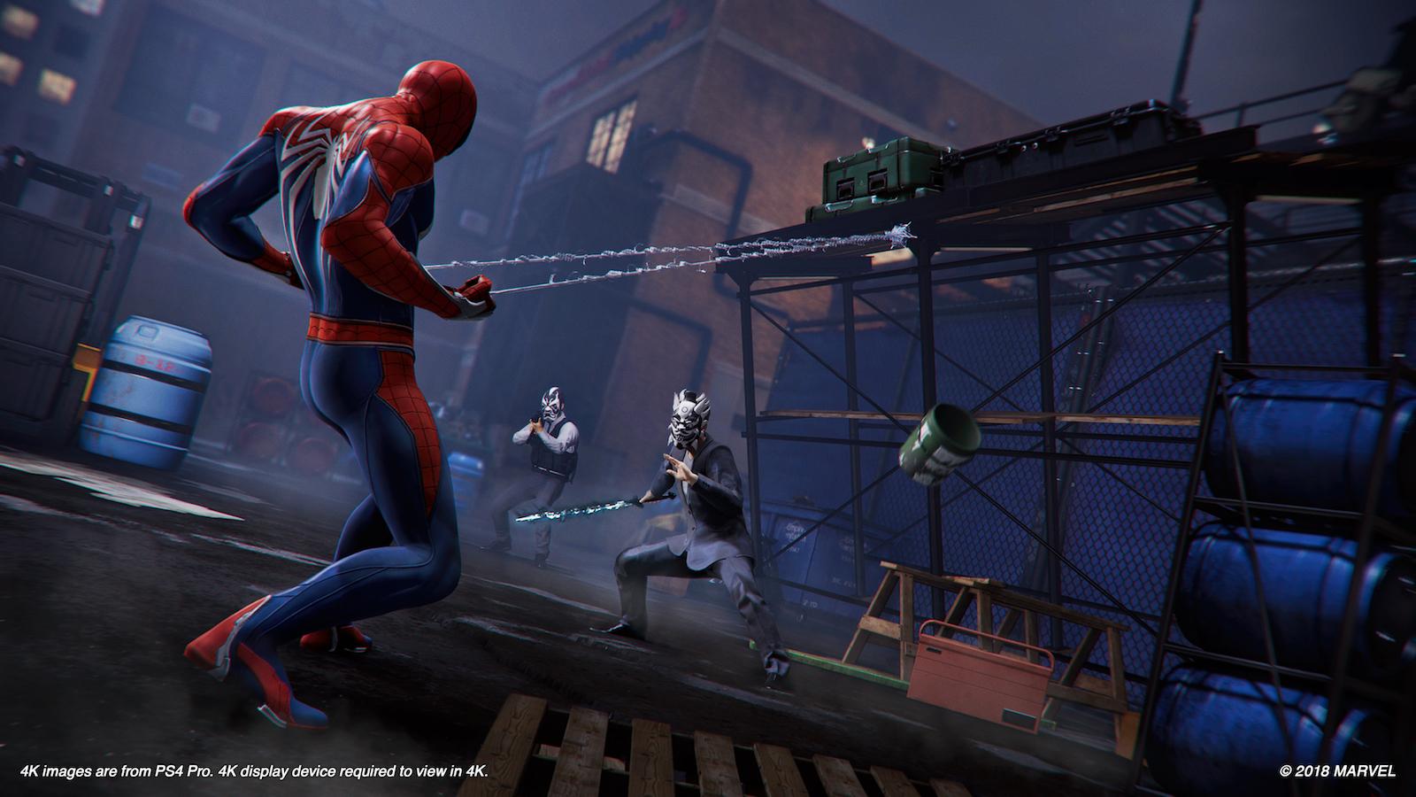 Spider-Man näyttää, miten seittisingolla ja ympäristöllä lanataan vihollisia