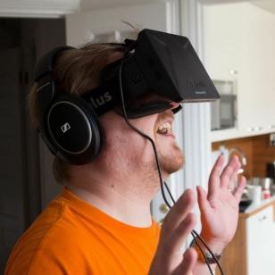 Tontsa Oculus naamalla