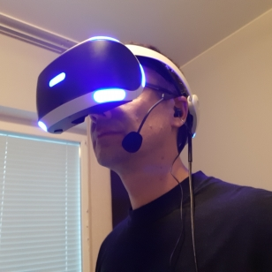 Razer Ifrit PSVR-maskin kanssa
