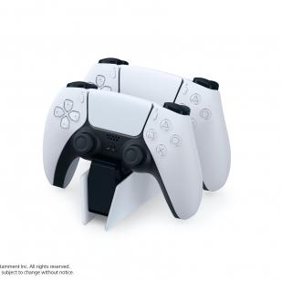 PS5 latausasema ja DualSense-ohjaimet.jpg