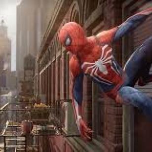 Hämähäkkimies roikkuu tiilitalon seinässä