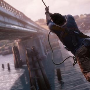 Nate köyden varassa osumassa siltaan