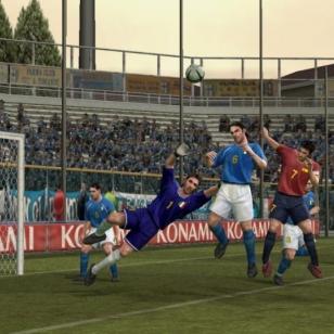Uusia kuvia Pro Evolution Soccer 4:stä