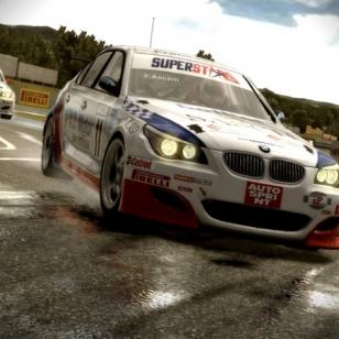 Starttaa kesään Superstars V8 Racing -skabassa