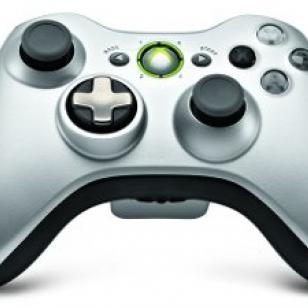 Testissä Xbox 360:n hopeanharmaa ohjain