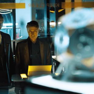 Martin Hatch (Lance Reddick) ja Paul Serene (Aidan Gillen), Quantum Break