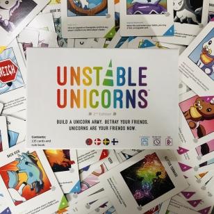 Unstable Unicorns korttipeli arvostelu
