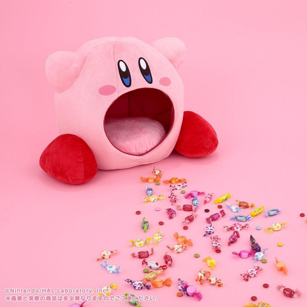 Kirby tyyny ja karkkia lattian täydeltä